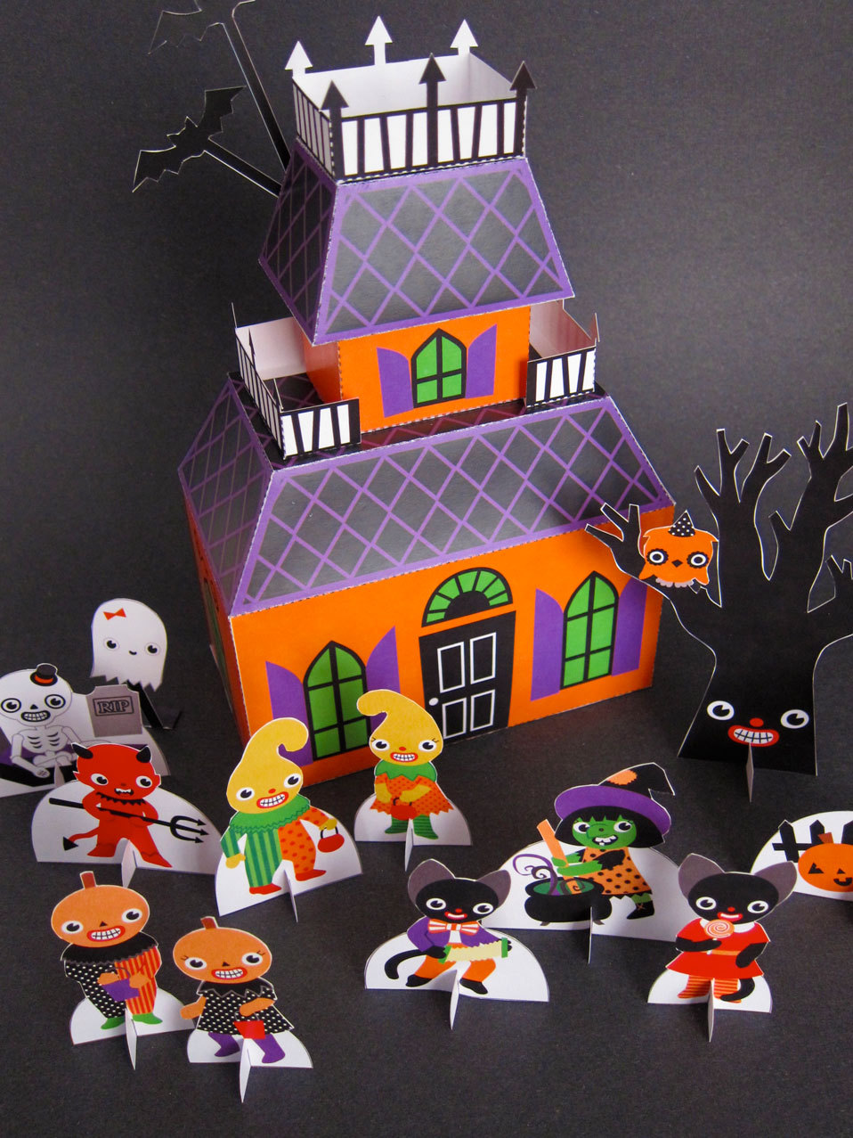 Toys For Halloween : Halloween haunted house playset printable paper craft